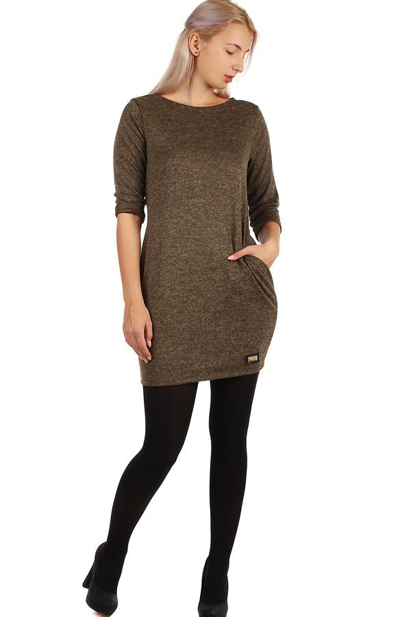 bb4e45416087 Dámské úpletové šaty s 3 4 rukávem